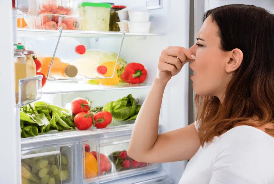 Как добиться приятного запаха в холодильнике