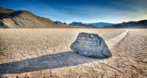 Движущиеся камни в таинственной Долине смерти