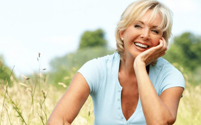 7 способов выглядеть моложе своих лет без пластики и ботокса