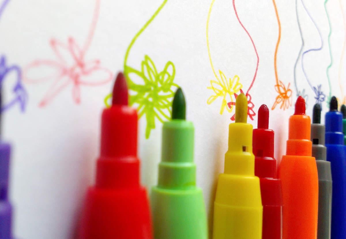 Чем стереть перманентный маркер с пластика, ткани, резины, кожи рук