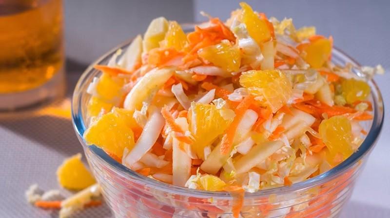 Салат с пекинской капустой и апельсином