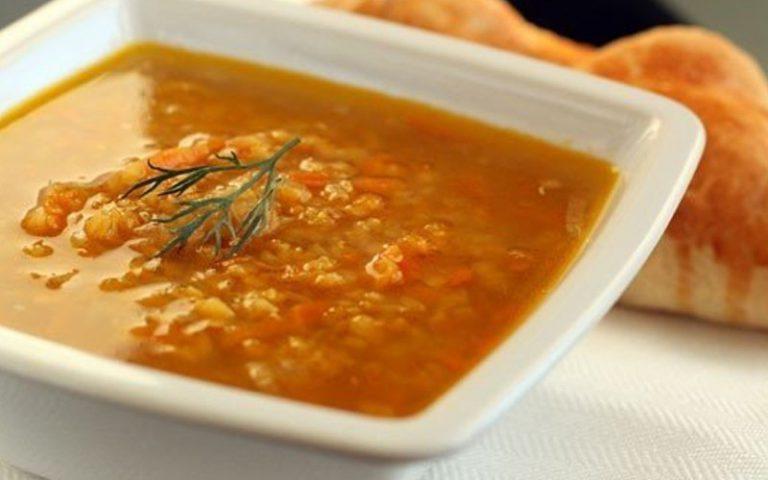 Суп из красной чечевицы на курином бульоне