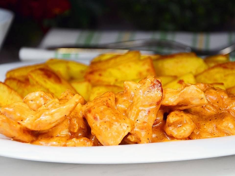 Классический рецепт бефстроганова из курицы со сметаной
