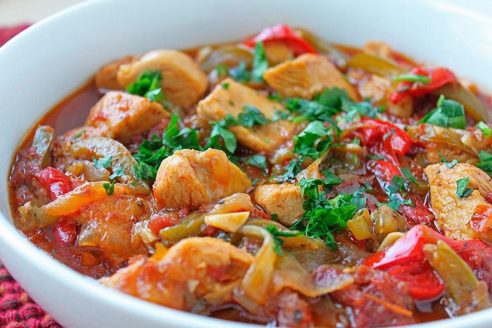 Классический рецепт овощного рагу с курицей