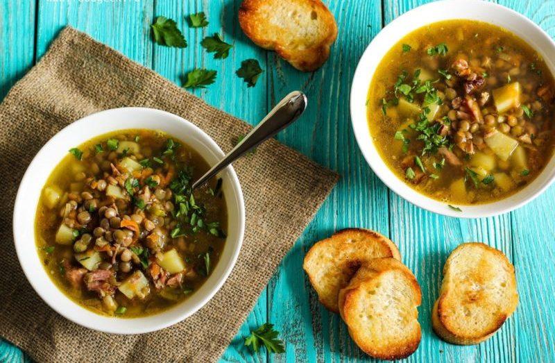 Суп из чечевицы с курицей и грибами