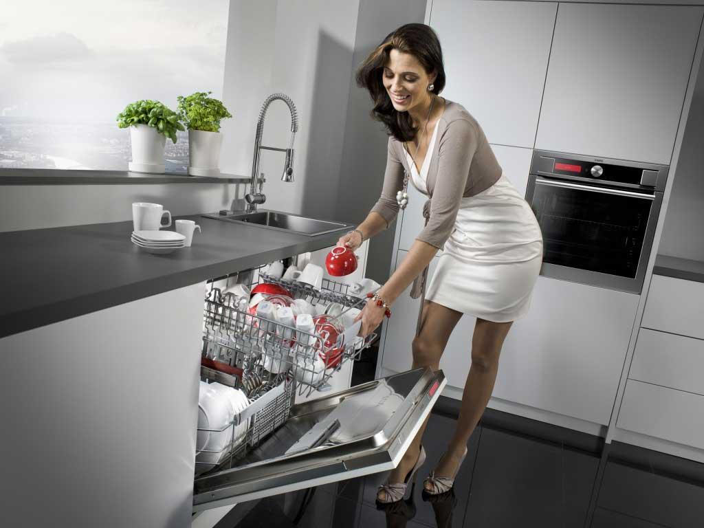 Какие вещи ни в коем случае нельзя мыть в посудомоечной машине