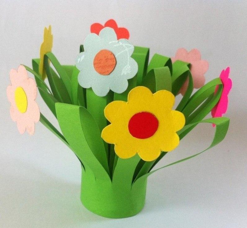 Очень красивая поделка Весенние цветы