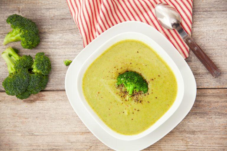 Суп-пюре из брокколи с сыром, очень вкусно