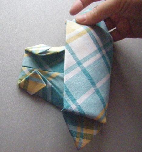 Как сложить салфетку рубашку