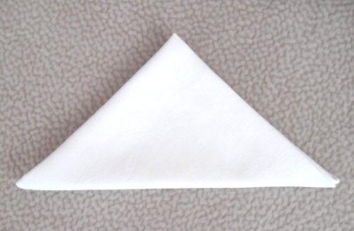 Как сложить салфетку в виде джонки