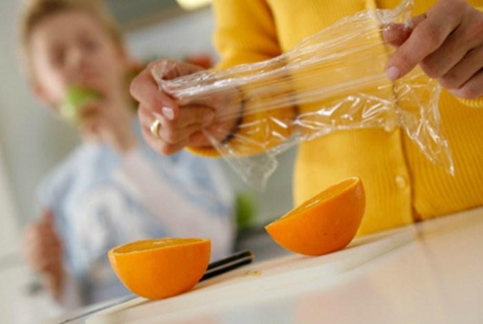 10 полезных советов использования пищевой пленки