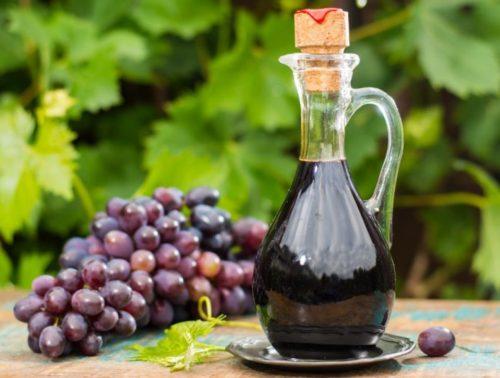 Винный уксус — полезные свойства и применение