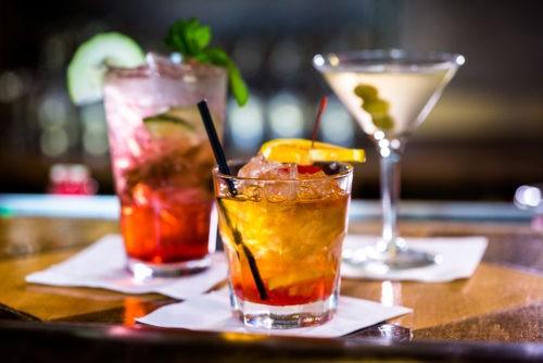 Рецепты очень простых и модных алкогольных коктейлей