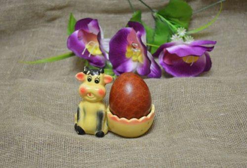 Как покрасить яйца в луковой шелухе кружевным рисунком
