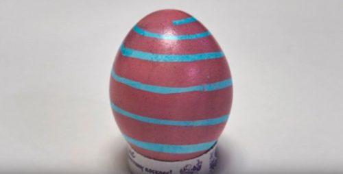 Как красить яйца на Пасху в полоску 2 способа