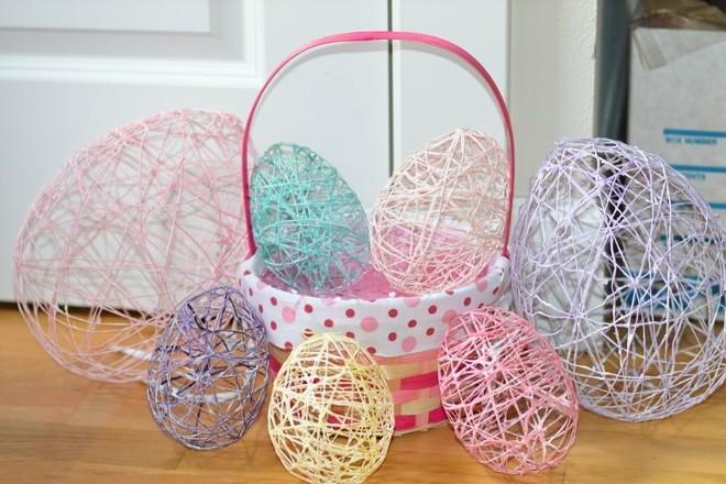 Как сделать яйцо из ниток и шарика