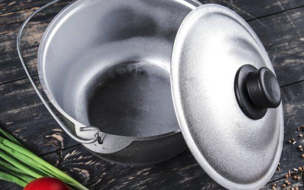 Почему вредна посуда из алюминия и фольга для запекания
