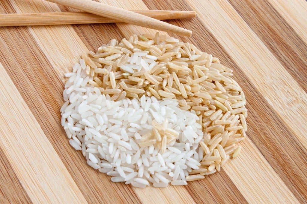 Чем коричневый рис полезнее белого