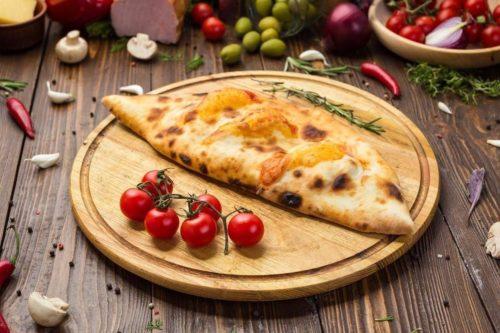 «Кальцоне» — блюдо итальянской кухни